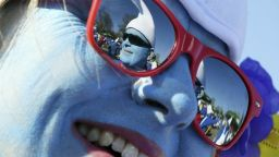 Рекорд: 2762 души със син грим и бели шапки си спретнаха смърф парти