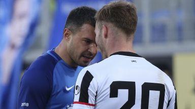 Левски хвърли новите, но пак бе спрян от Локомотив