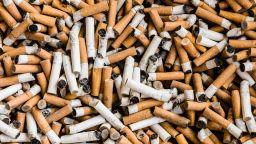 Цигарените фасове са най-големият замърсител на океаните