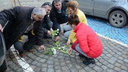 Историк: Гробът на Левски e до входа на болница и върху него паркират коли (снимка)