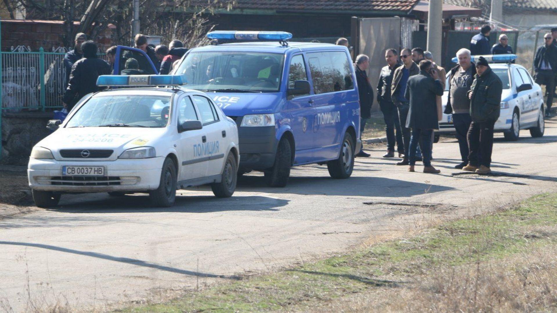 Телефоните на жертвите в Нови Искър звъняли, а убиецът лъжел, че са на погребение