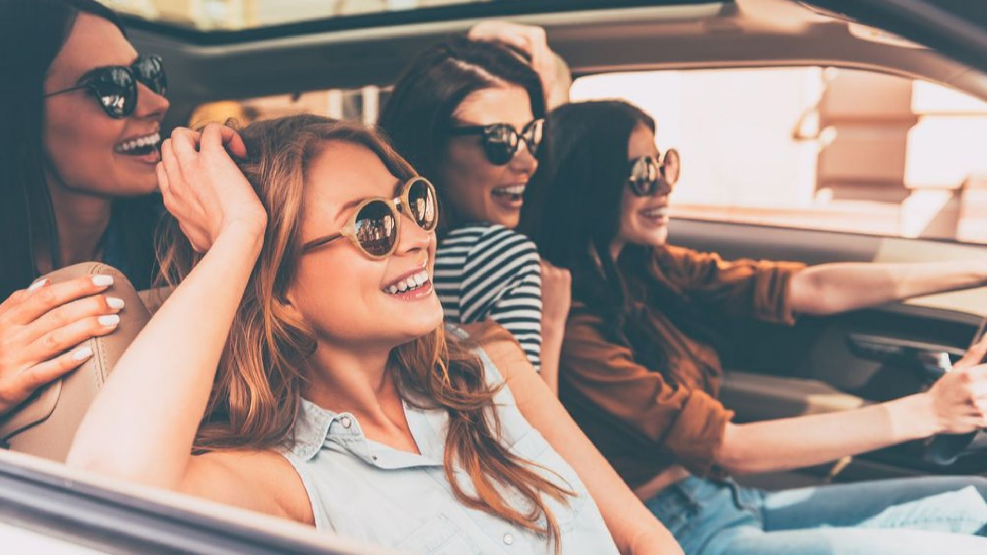 Проучване установи колко години продължава женското приятелство