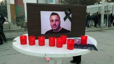 """Бдение в памет на убития в Кюстендил Валери. Задържаният: """"Ne sm ybiec"""""""