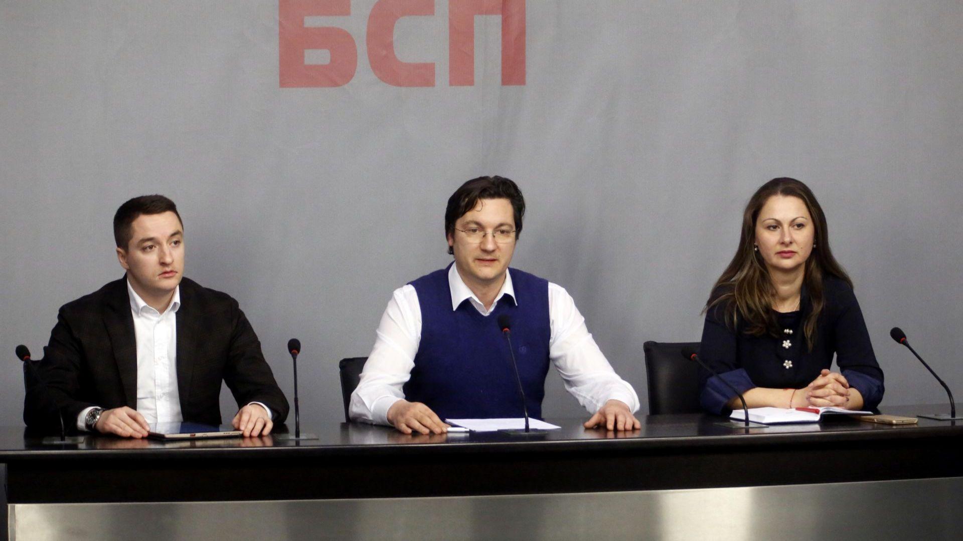 Крум Зарков: Коалицията е нестабилна, не може грешка да поправяш с грешка