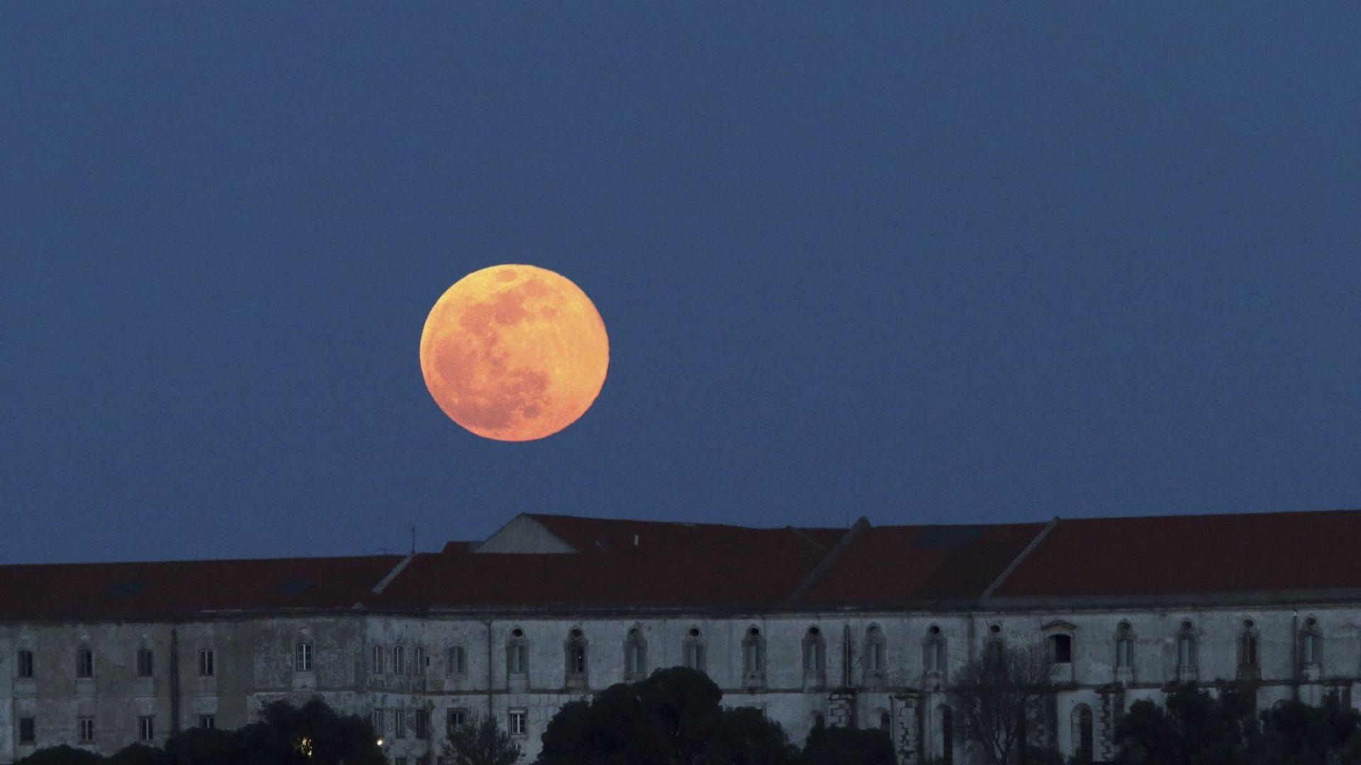 НАСА изпраща оборудване на Луната догодина