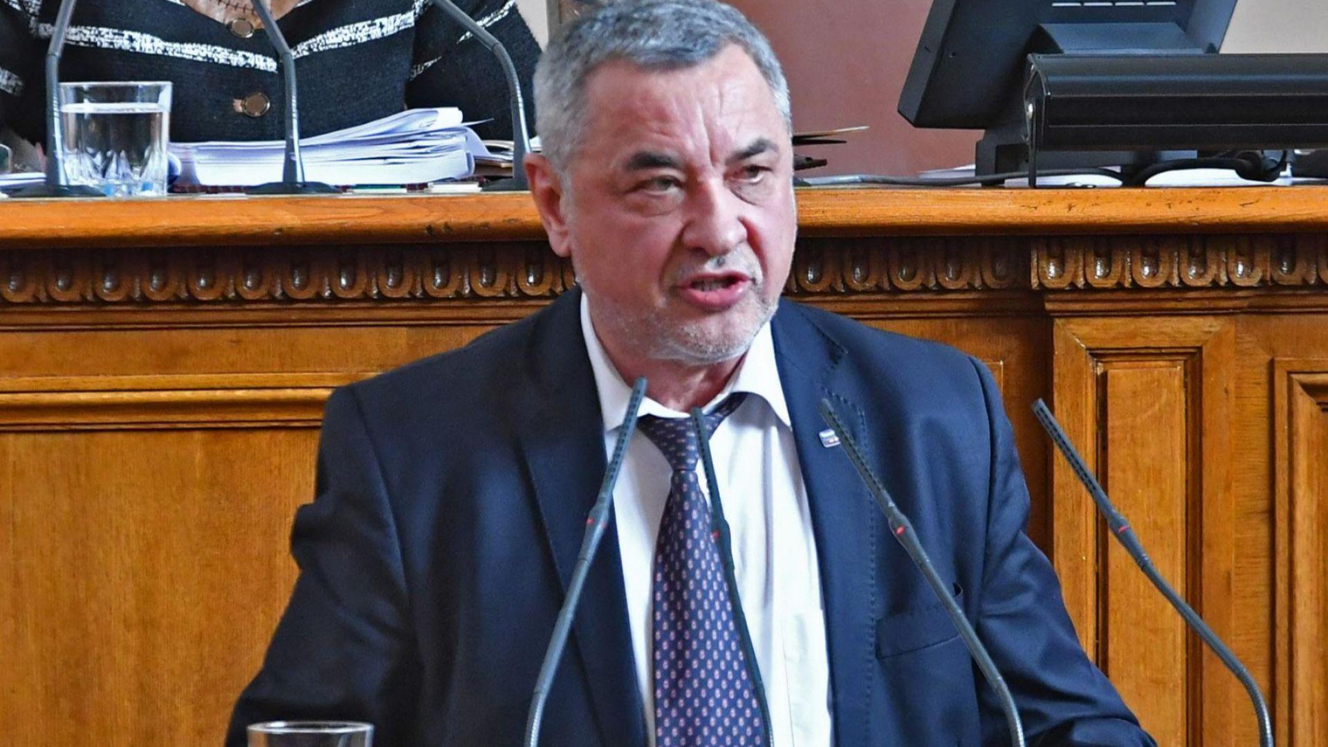 Валери Симеонов: Президентът се опитва да внесе съмнение в изборите