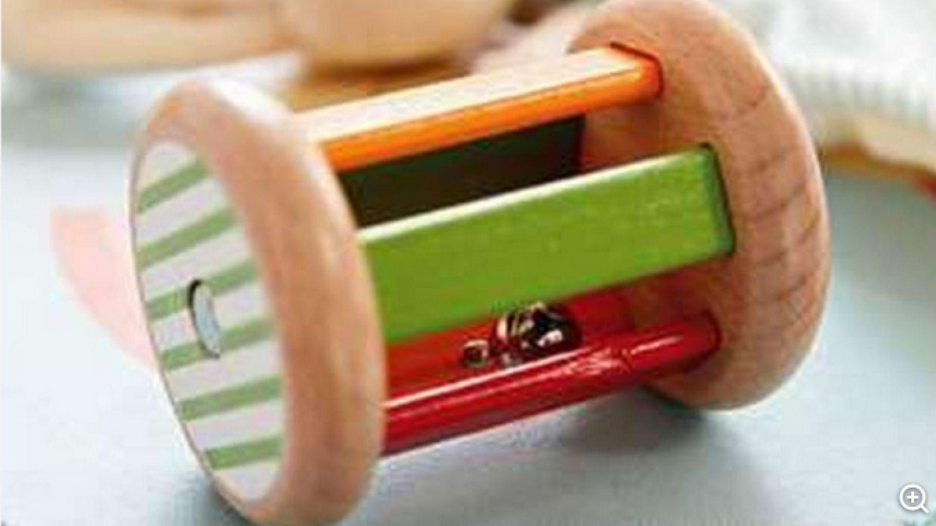 Снимка: Изтеглят от продажба бебешка играчка заради риск от задушаване