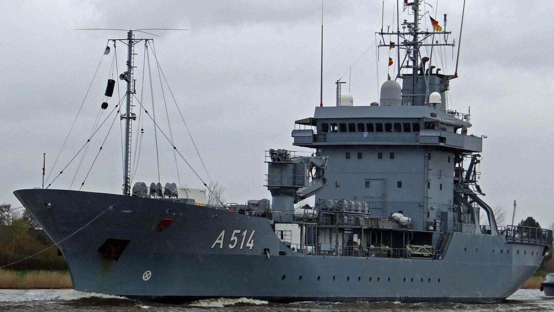 Снимка: Кораби на НАТО акостират във Варна