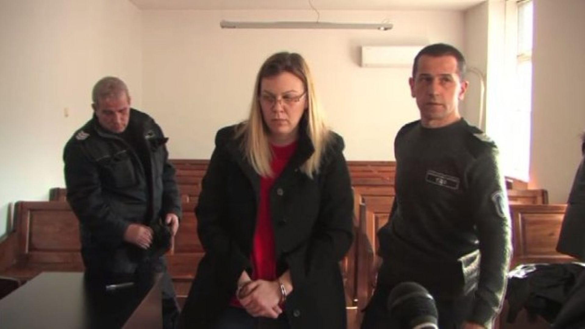 Снимка: Задържаната банкерка предлагала заеми в Сърбия