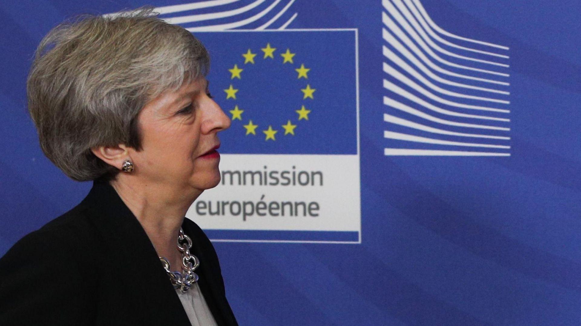 Снимка: The Telegraph: 100 депутати от партията на Тереза Мей ще отложат Брекзит