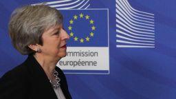 The Telegraph: 100 депутати от партията на Тереза Мей ще отложат Брекзит