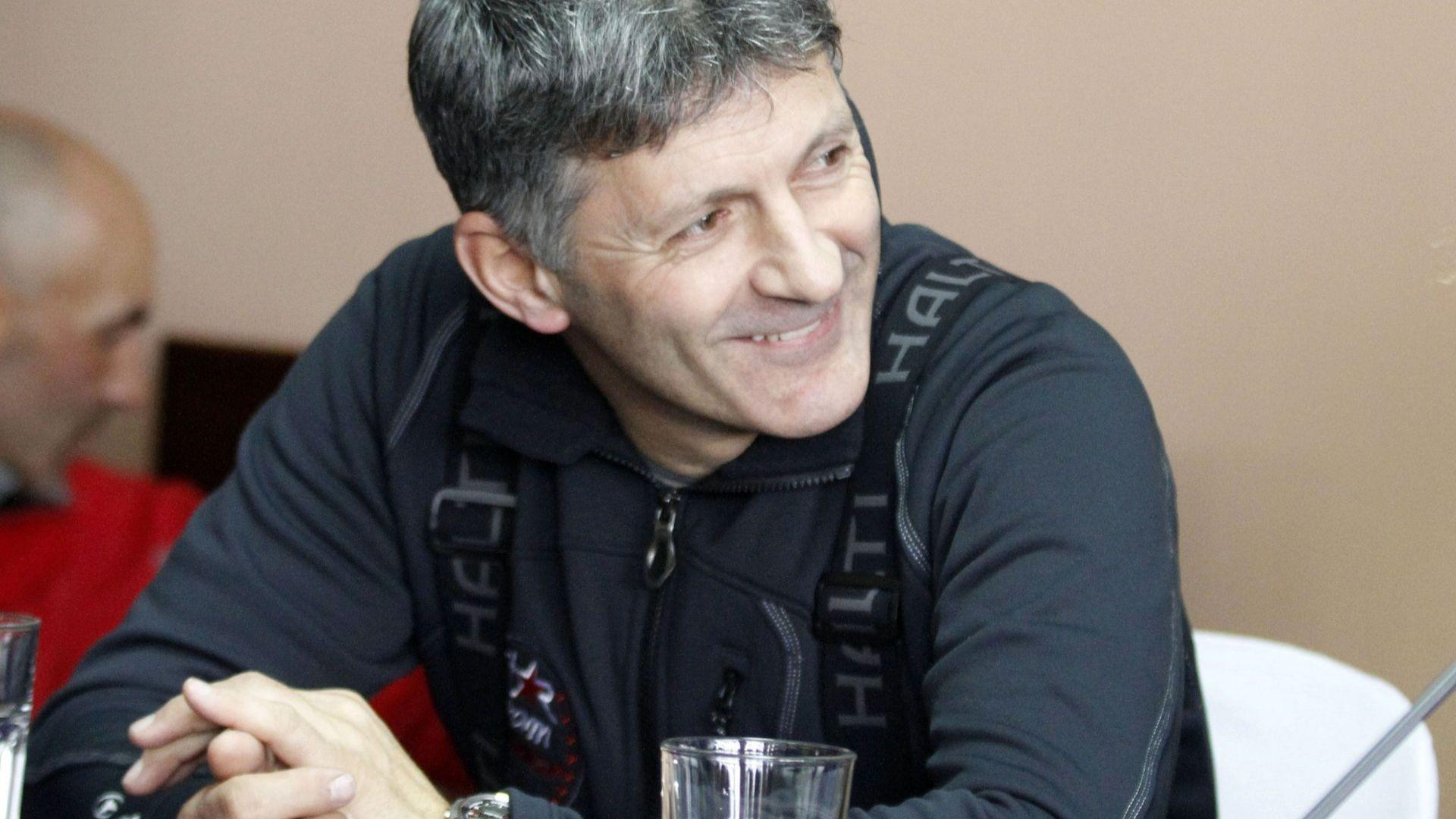 Петър Попангелов пред Dir.bg за разговорите със Стенмарк и какво е да си единствена птичка