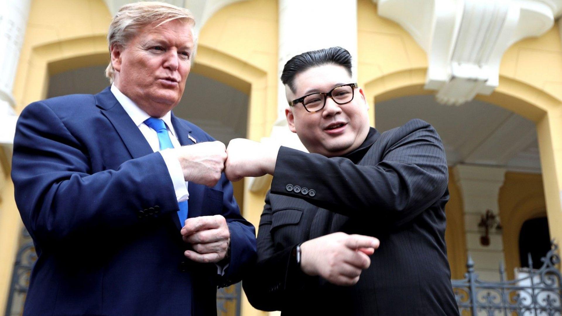 Снимка: Двойниците на Ким Чен-ун и Тръмп пристигнаха в Ханой