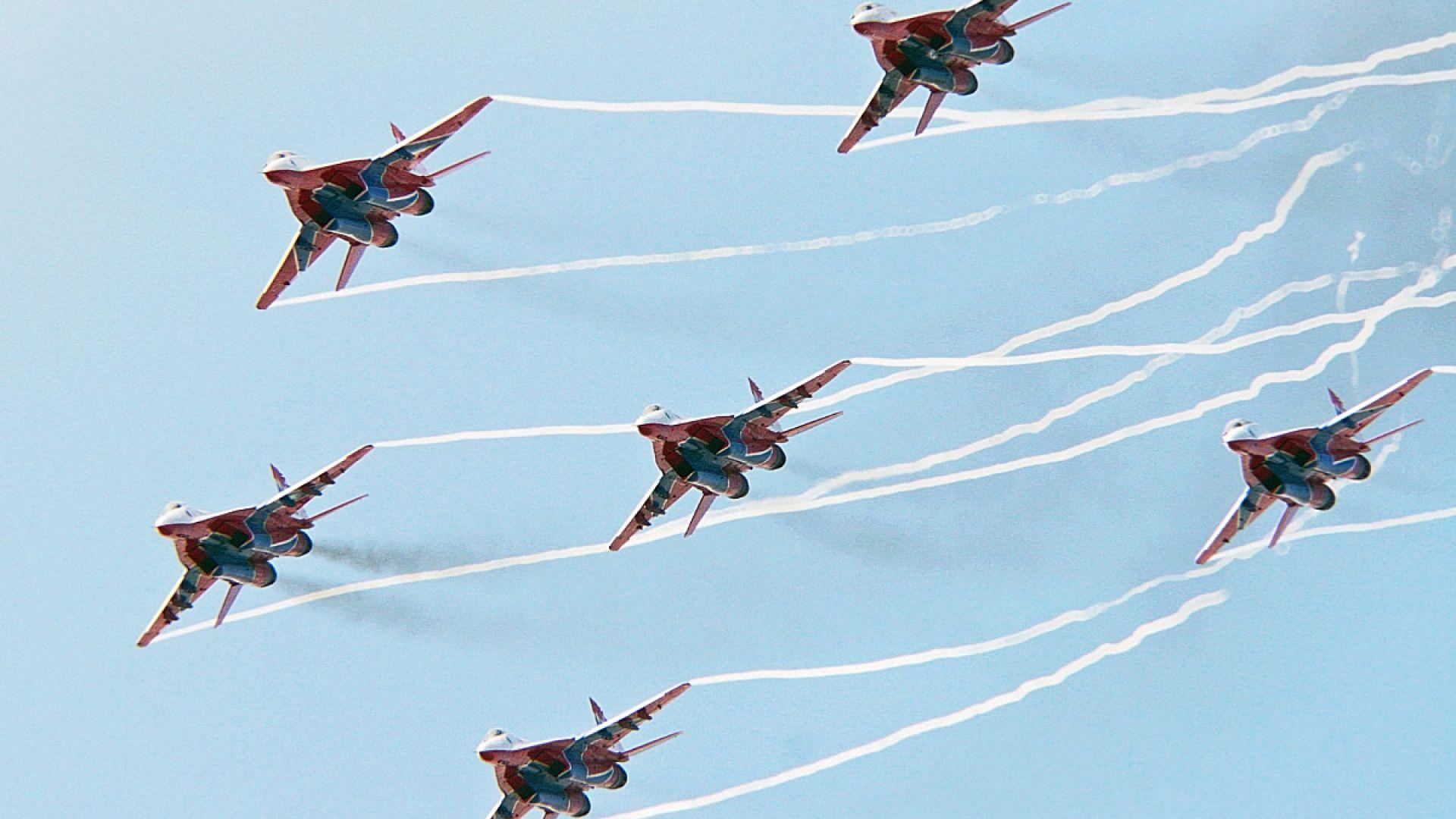 Въздушната гордост на Путин: Авиацията, която не излетя (снимки)