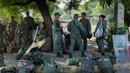 Венецуелски войници стреляха по протестиращи - двама са убити, има ранени