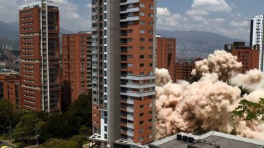 Властите в Меделин разрушиха зрелищно дома на Пабло Ескобар (видео)