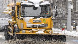 10 фирми ще почистват снега в столицата