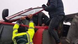 Бурен вятър преобърна тирове, 2-ма българи пострадаха