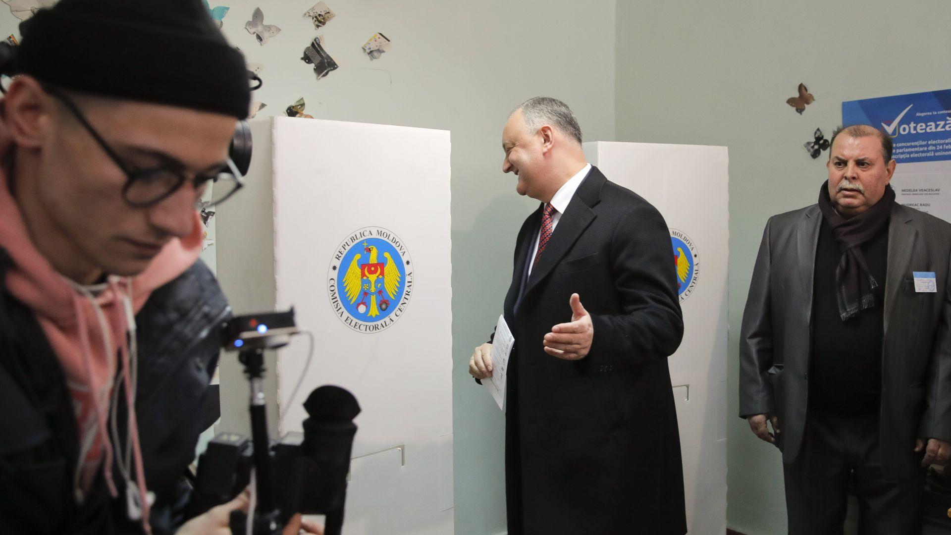 В Молдова: Русия се намеси  в изборната кампания за парламент