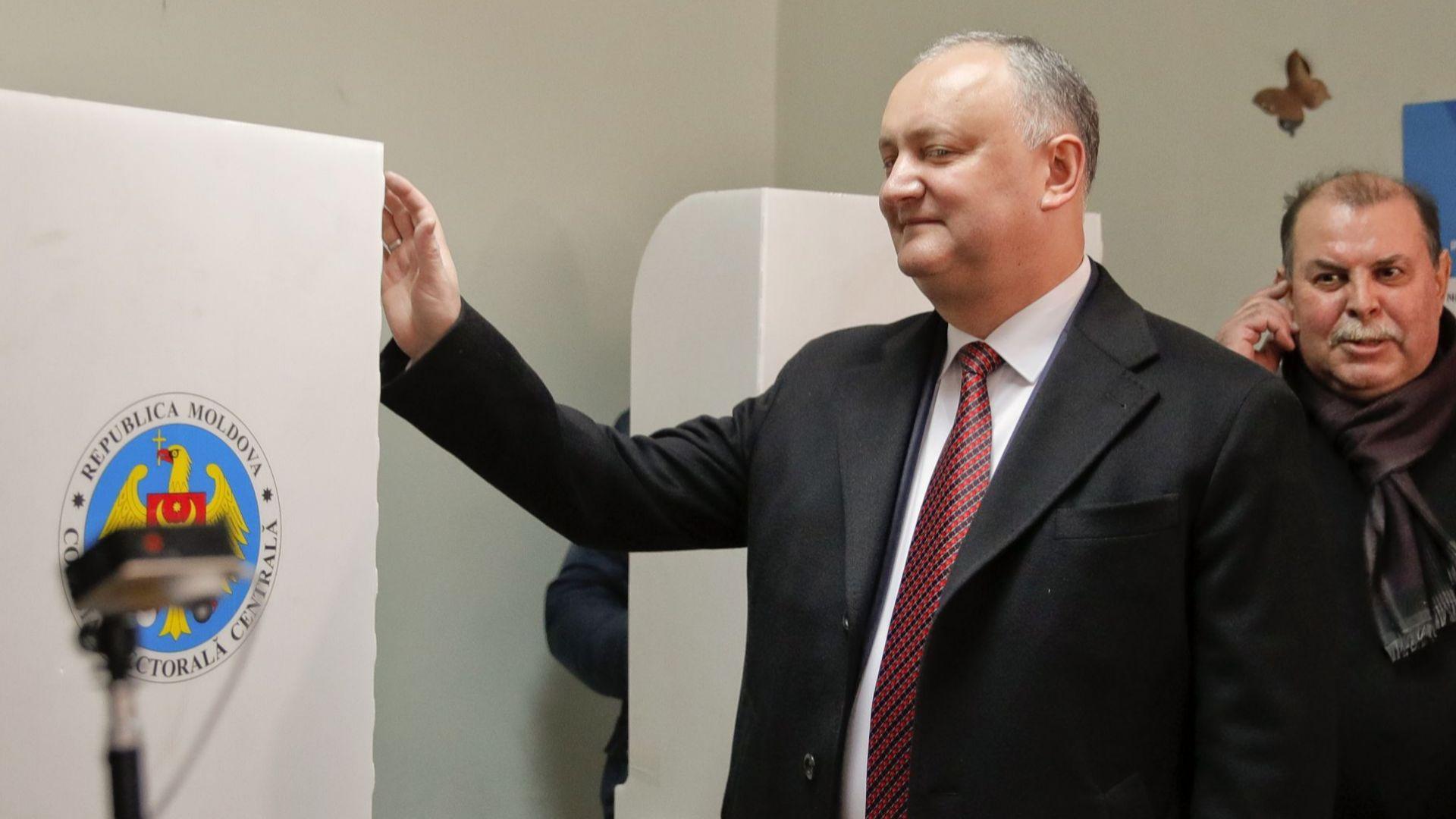 Молдовският конституционен съд днес освободи от поста президента Игор Додон