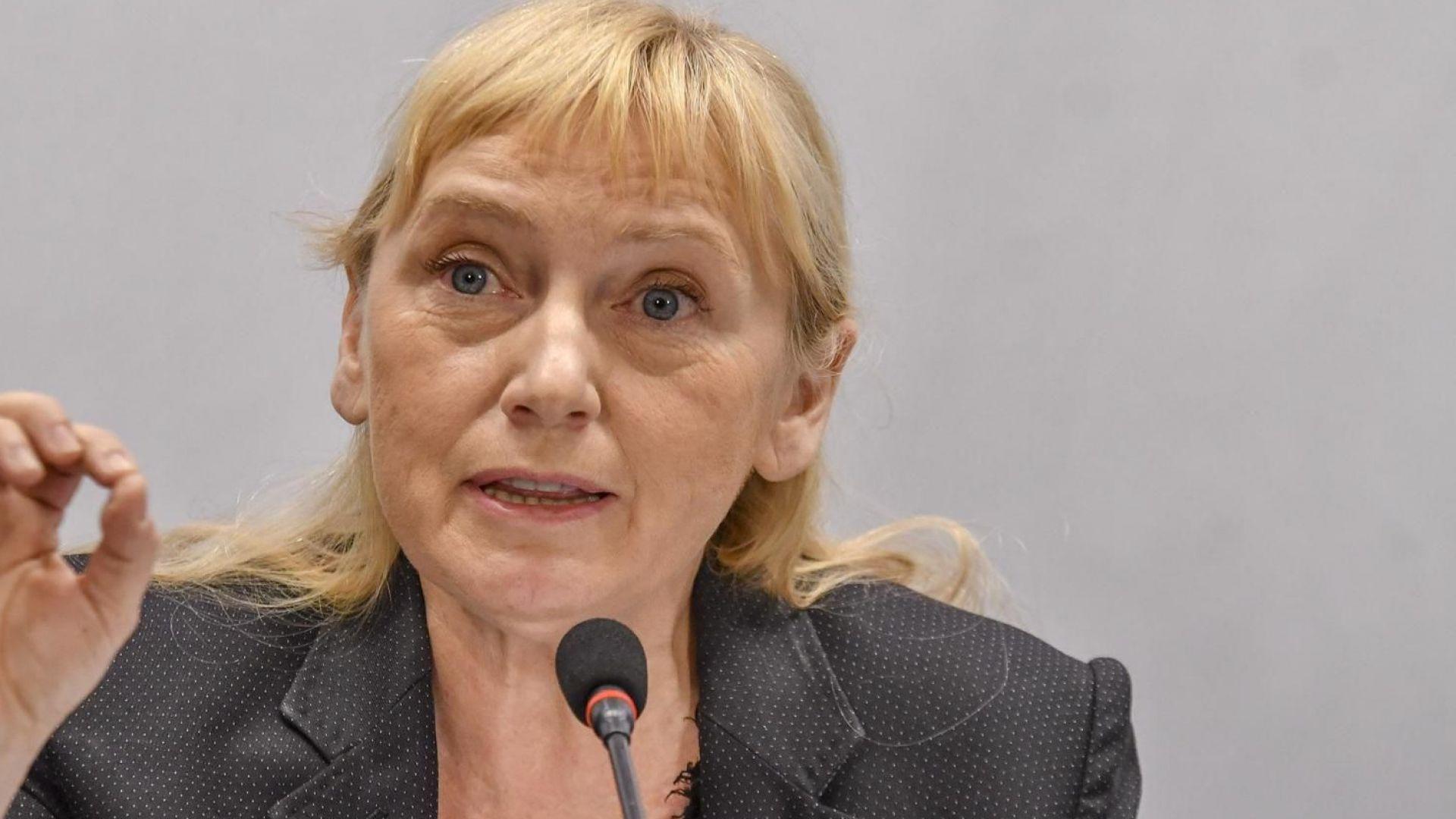 Елена Йончева: 2 милиона българи живеят в чужбина, а са в избирателните списъци