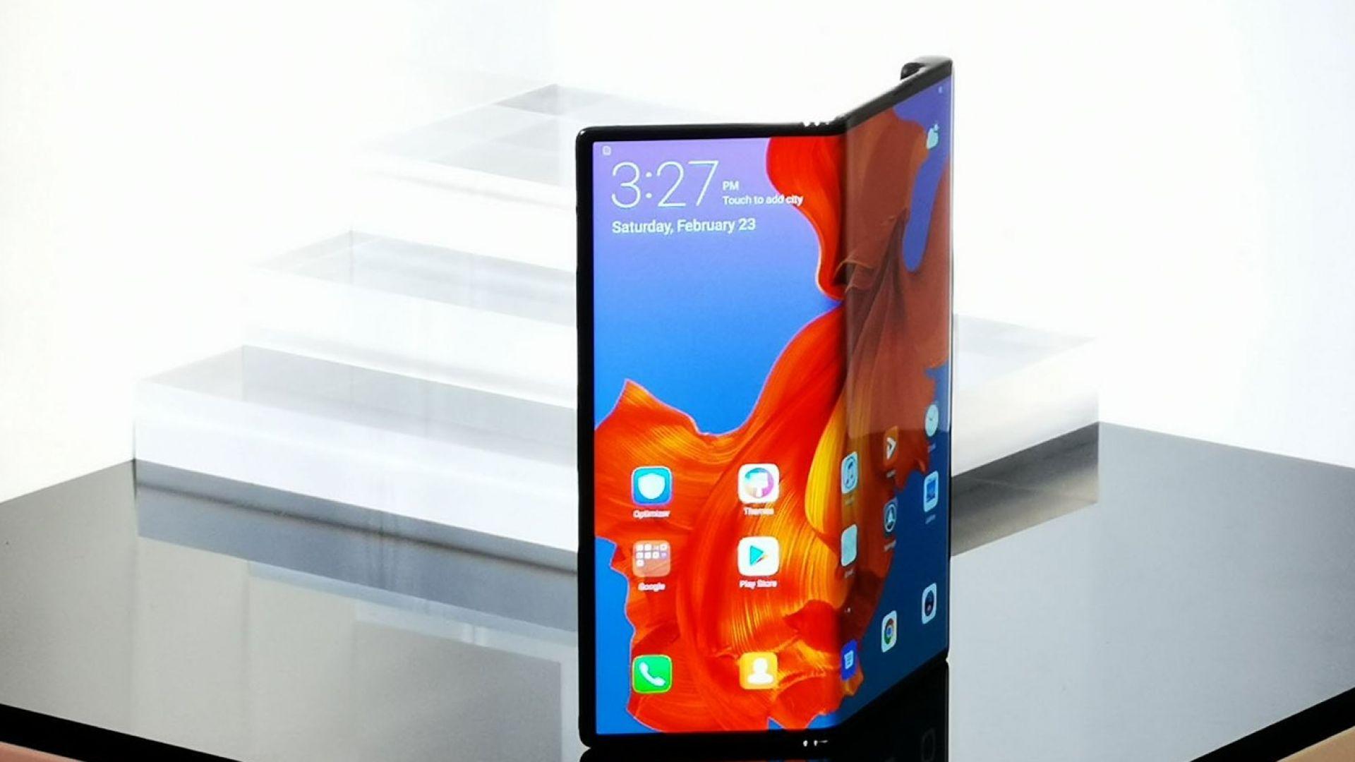 Huawei показа уникален сгъваем телефон