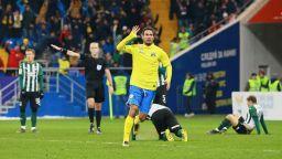 Ивелин Попов продължава да води Ростов към финал