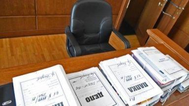 Затвор за мним полицай, задигнал 77 хил. лева от пенсионери