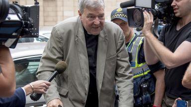 Съдебно жури: Ковчежникът на Ватикана е блудствал с деца