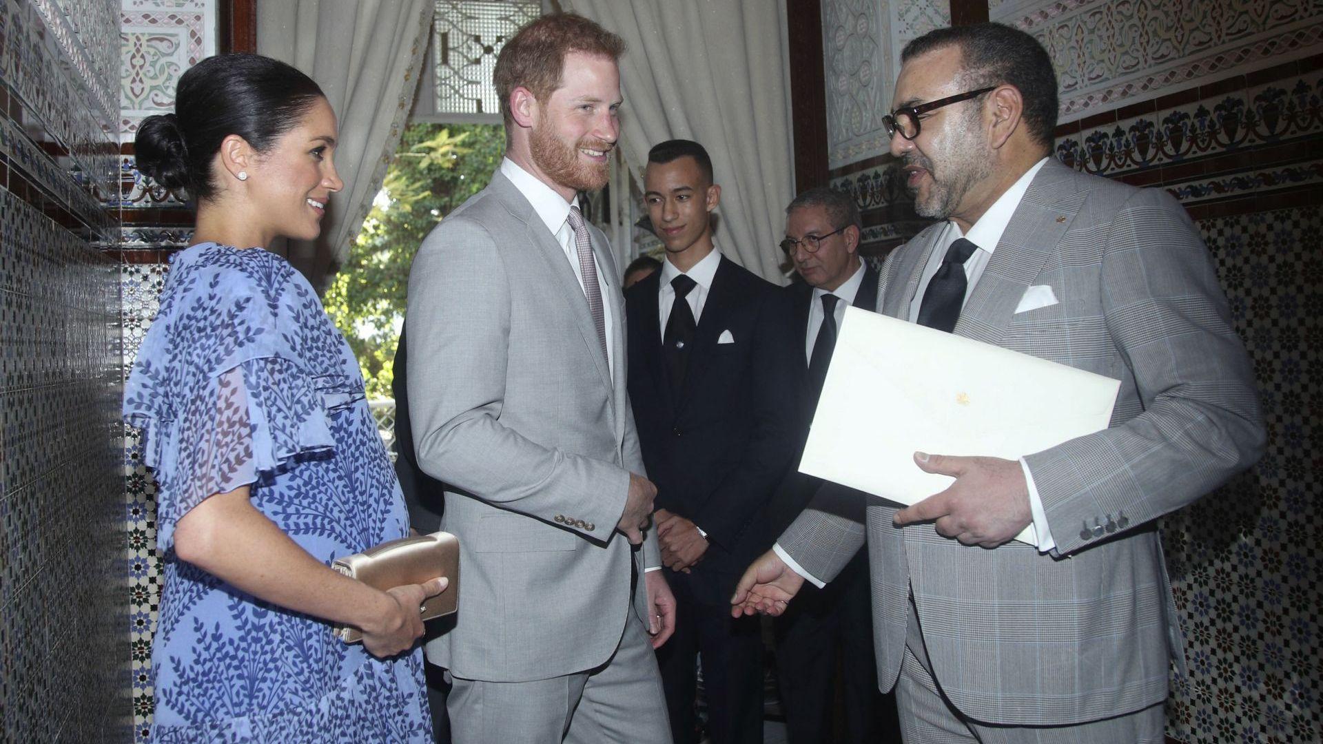 Хари и Меган се срещнаха с краля на Мароко