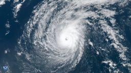 Тихият океан роди чудовище - супертайфунa Уотип