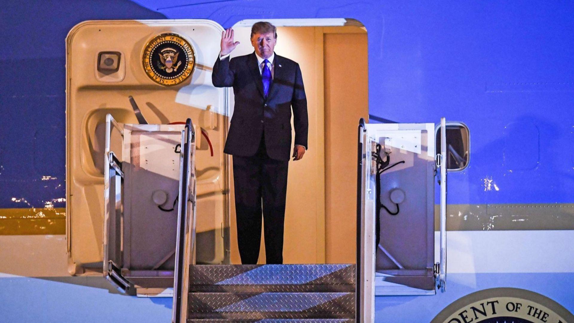 Доналд Тръмп пристигна във Виетнам за срещата с Ким Чен-ун