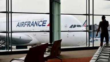 """""""Ер Франс"""" очаква да отмени 3600 полета през март заради коронавируса"""