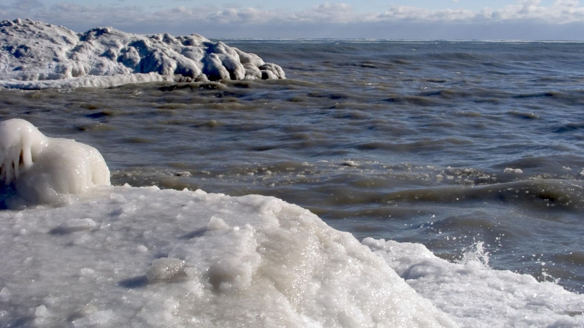 Ледено цунами в Онтарио (видео)
