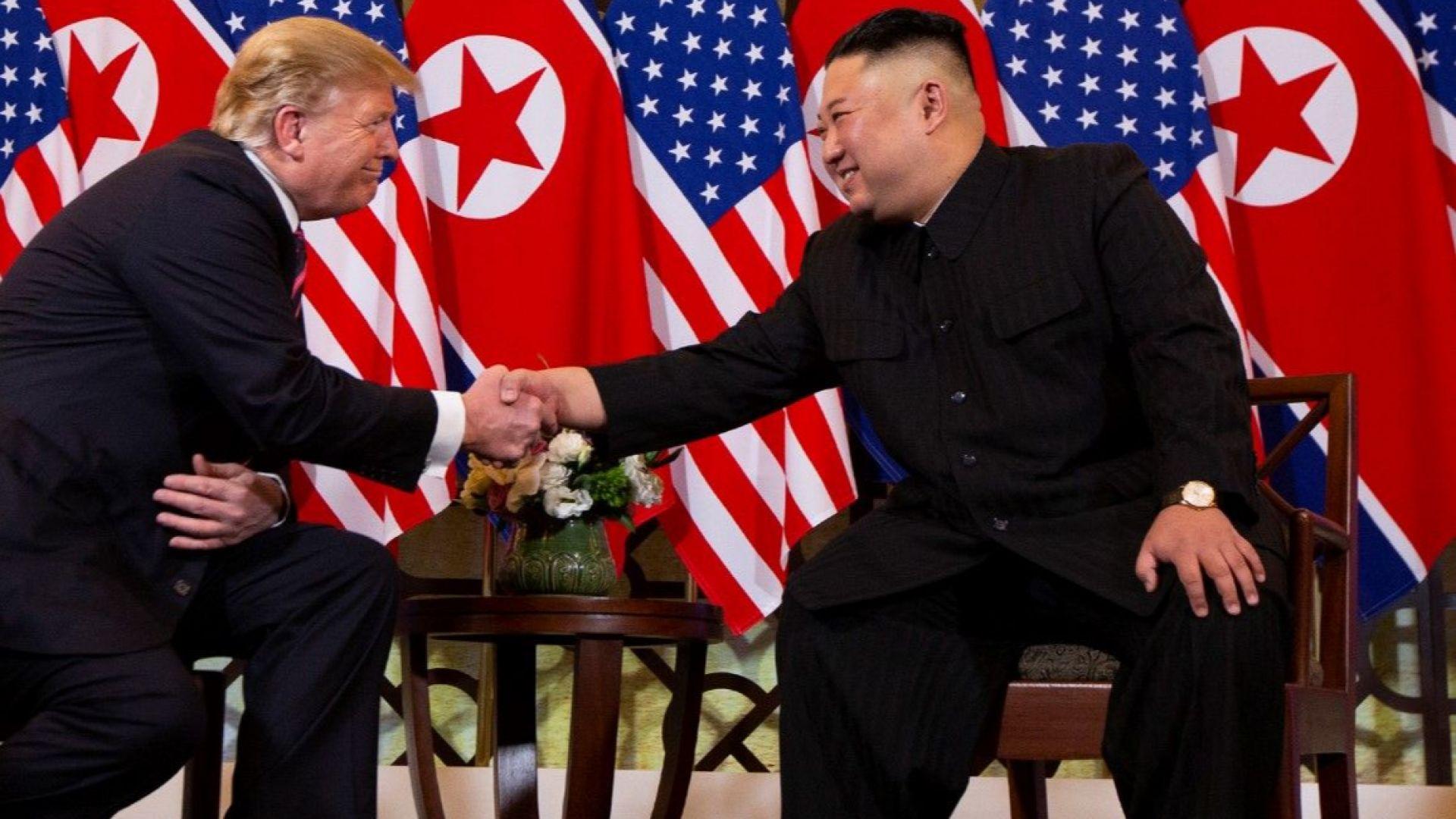 Тръмп и Ким оставиха преговорите за втория ден, скандал с журналисти беляза вечерята им