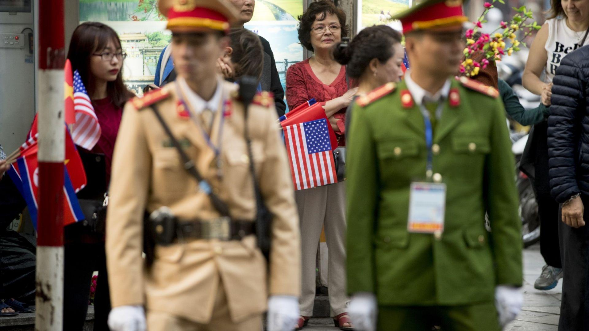 Как Ханой посрещна Доналд Тръмп и Ким Чен-ун (снимки)