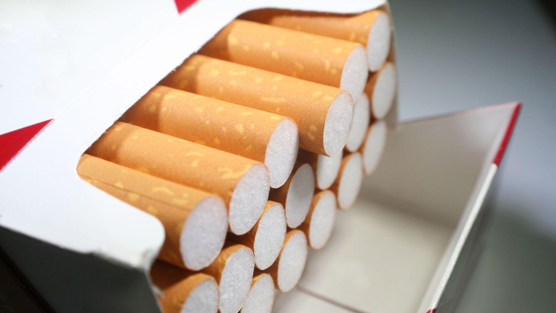 Мъж е задържан за притежание на 11 400 къса цигари