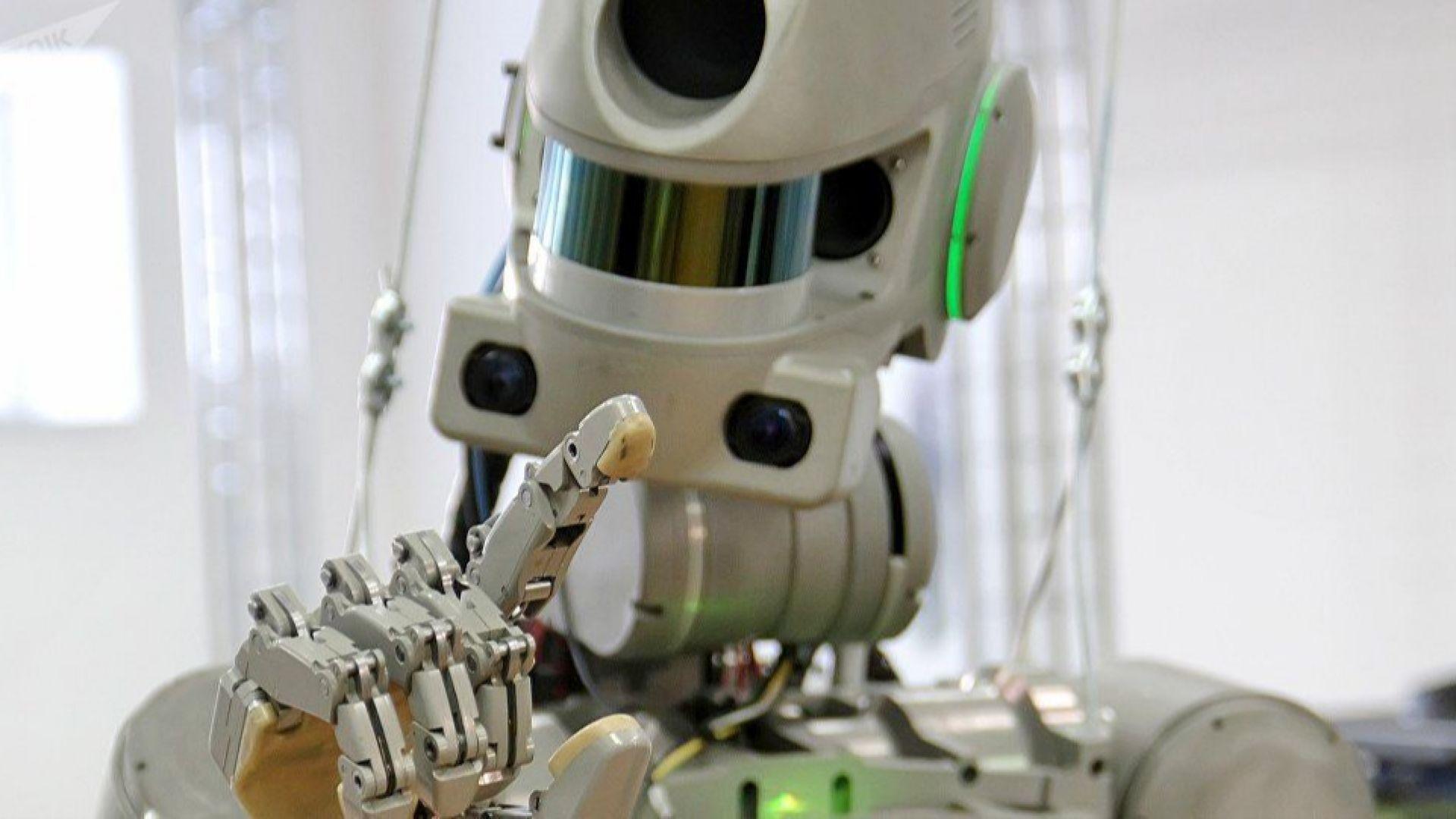 Ембарго над руския робот, можещ да стреля с пистолети