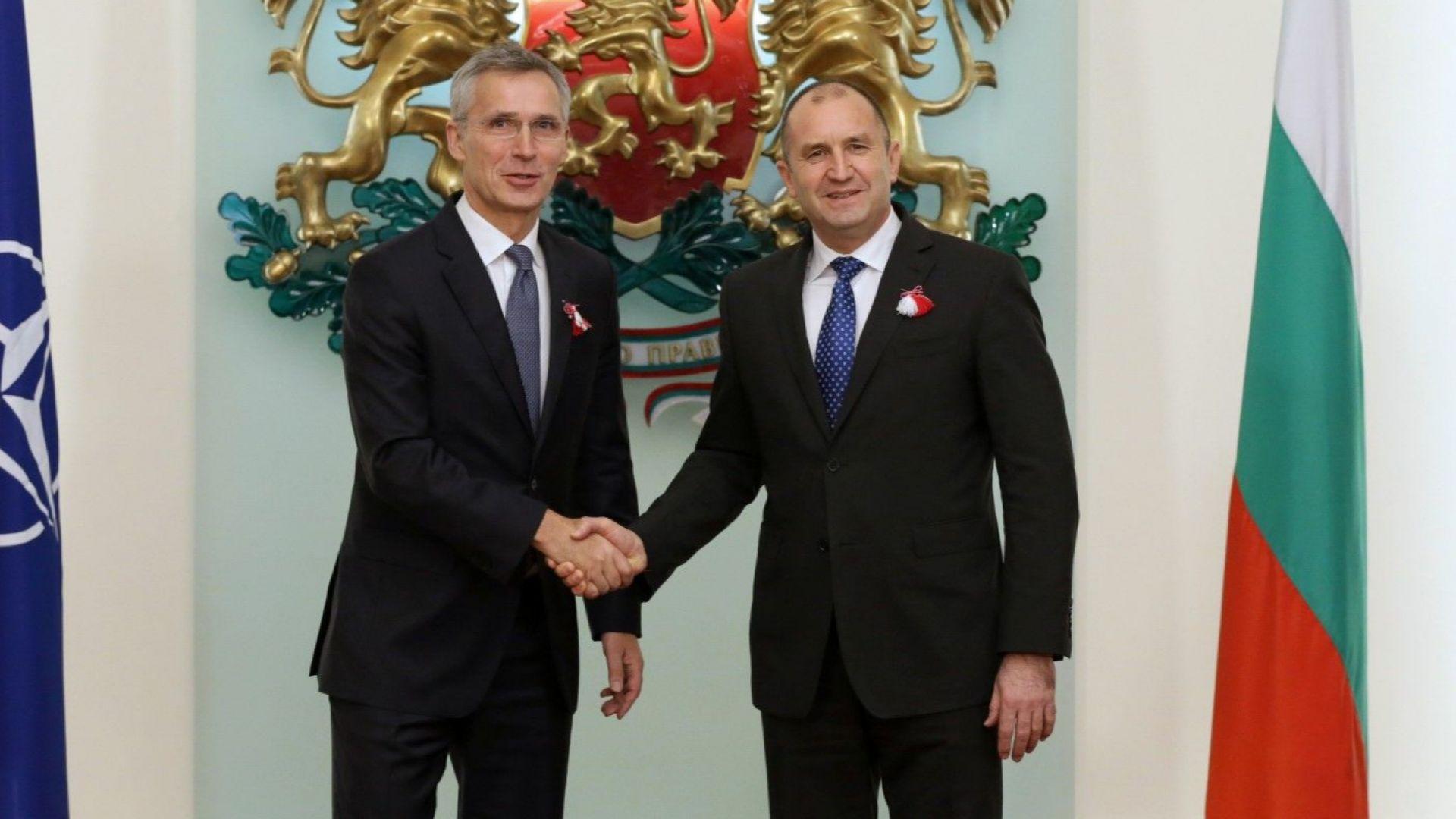 Президентът потвърди вдигането на разходите за отбрана, а Столтенберг приветства плана
