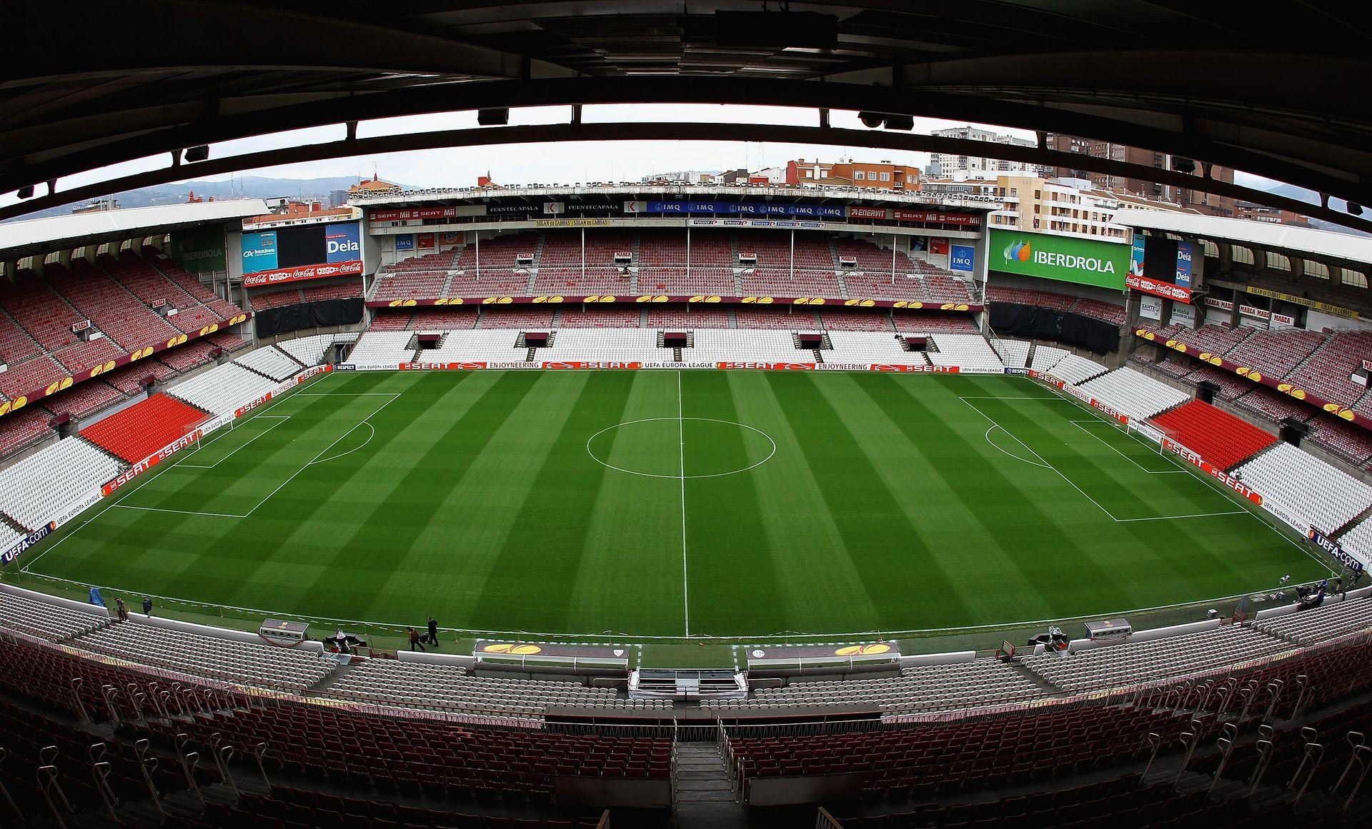 """Стадион """"Сан Мамес"""" - оригиналният, който отиде в историята преди  6 години."""