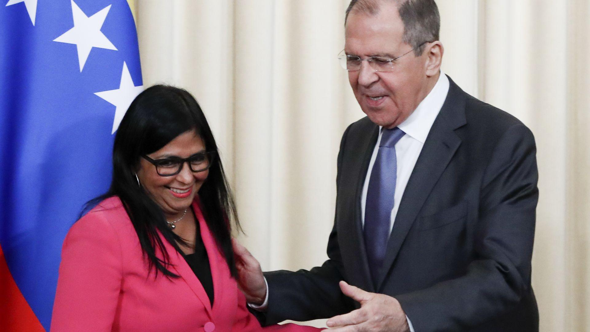 Лавров: САЩ купуват зенитни ракети от Източна Европа за опозицията във Венецуела