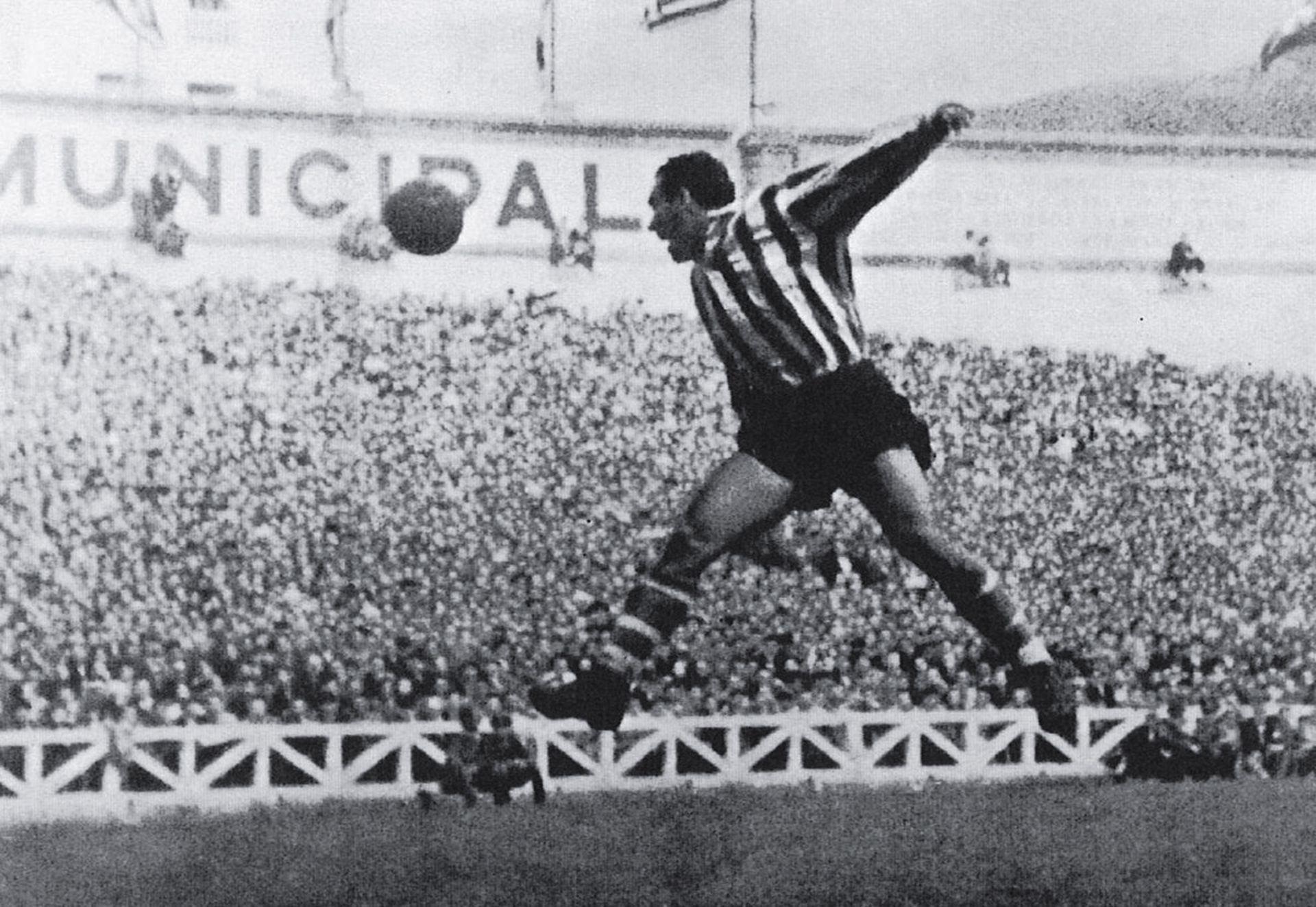 Телмо Сара - човекът, който имаше головите рекорди на испанския футбол, преди да се появи Меси