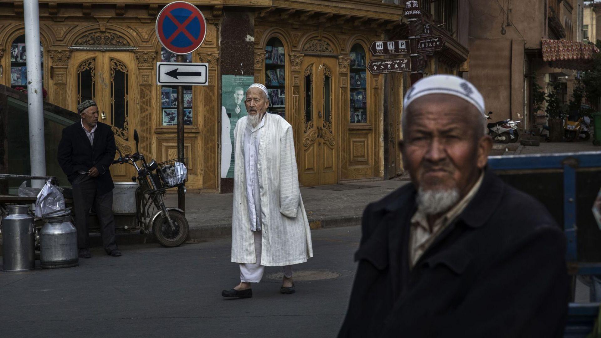 H&M скъса с китайски доставчик заради принудителен труд на уйгури