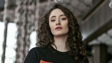 Дъщерята на Саня Армутлиева: Успялата жена е независима и знае какво иска