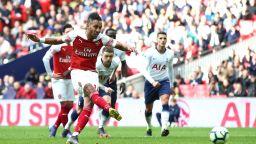 Дузпи спряха Арсенал в дербито на Северен Лондон