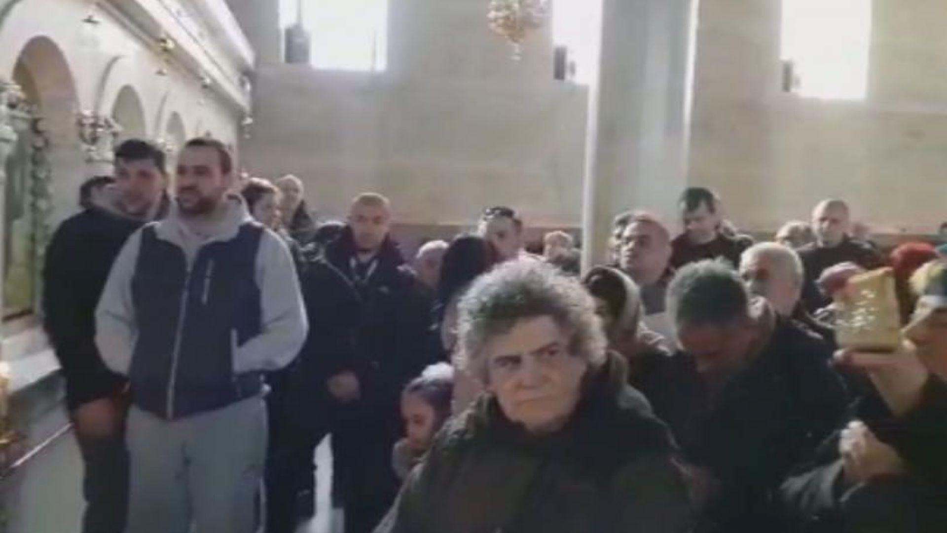 Ръкопашна схватка в църквата в Петрич