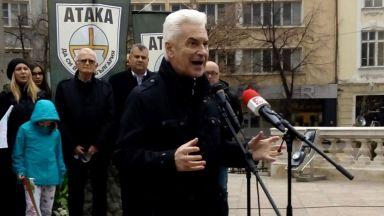 Сидеров: Идва другарят Столтенберг и ни прави фронтова линия срещу Русия