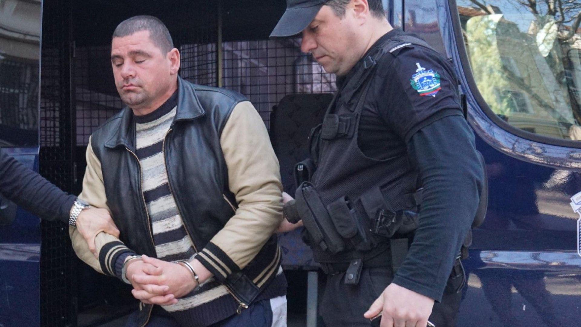 Съдът остави в ареста обвиняемия за убийството в Езерово