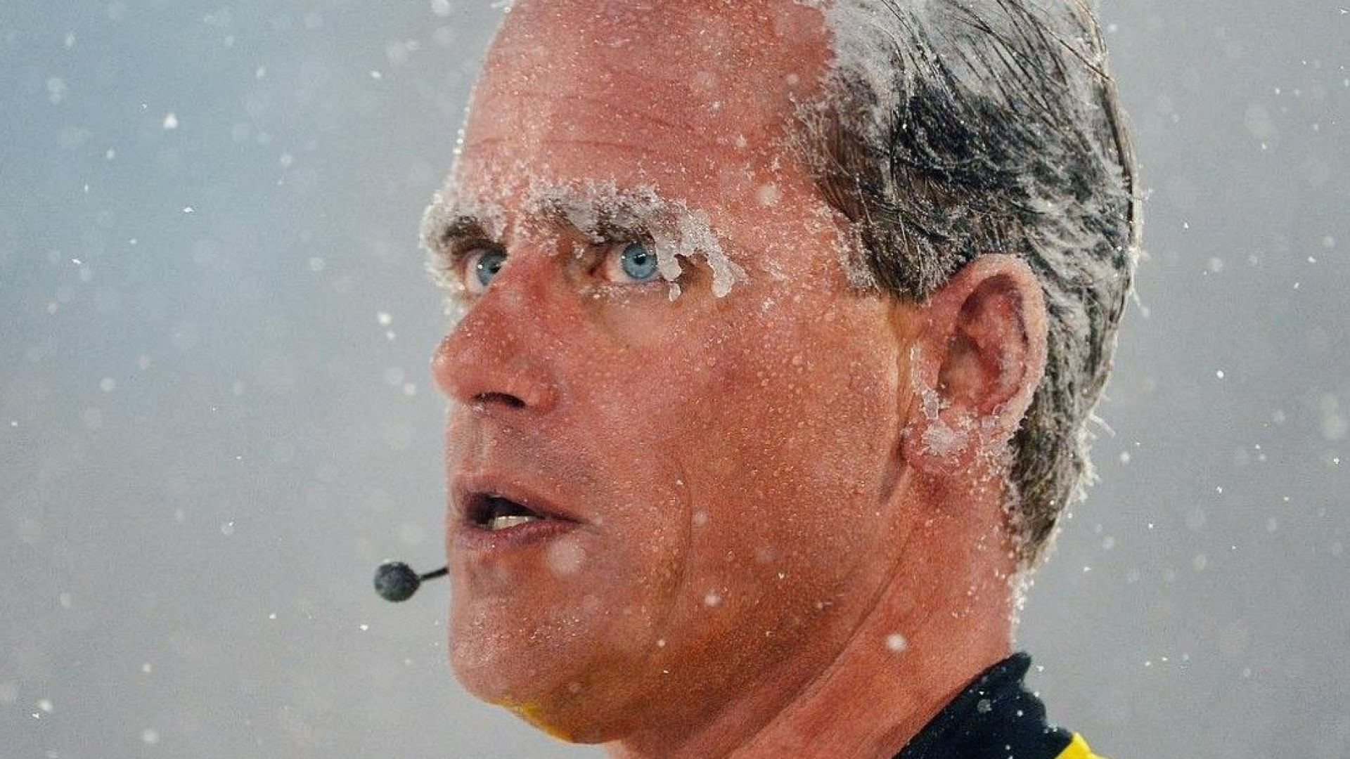 """Снежно класико"" или как се играе футбол на минус 8 градуса (снимки)"