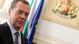 Медведев: Пандемията възроди идеята за четиридневна работна седмица